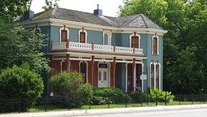 Victorian House. Title Loans